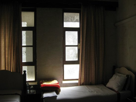 Otel Urhay: inside my first room, towards street, slept like a baby, but city woke me up early ;-)