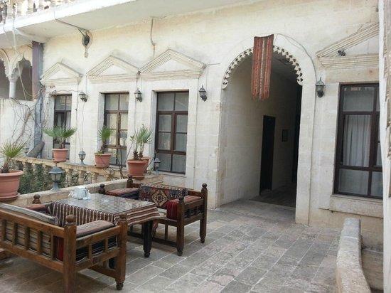 Otel Urhay: first floor seating area/tea