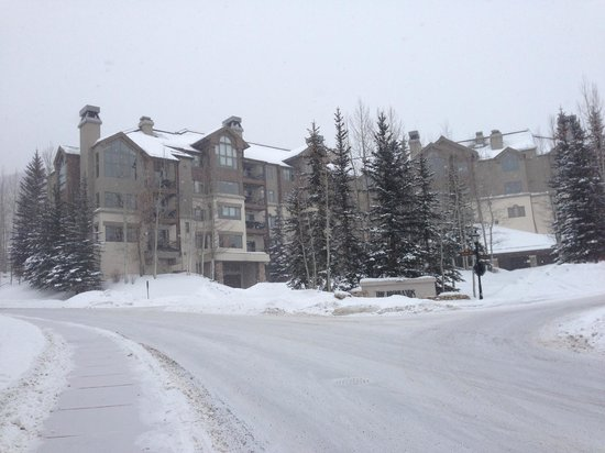 Highlands Lodge by Beaver Creek Mountain Lodging by East West : Highlands Lodge at Beaver Creek