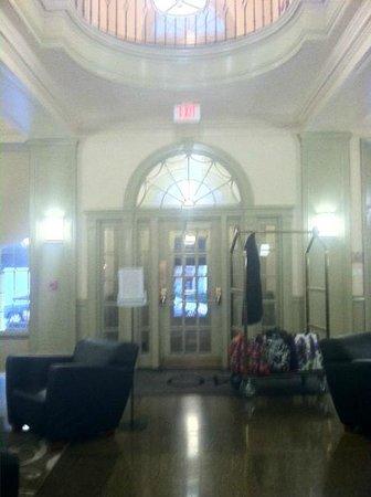 Hotel 140: Entryway