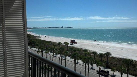 Holiday Inn Sarasota - Lido Beach: Looking South toward Siesta Key