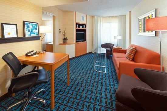 Fairfield Inn Denver Cherry Creek : King Suite