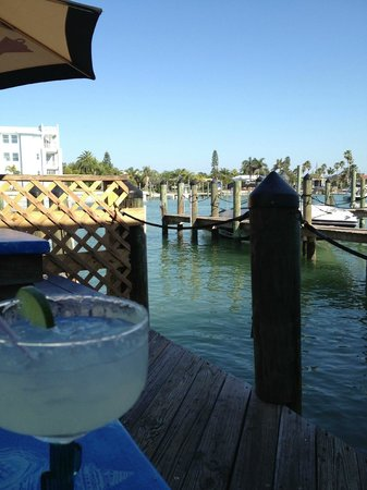 Sea Critters Cafe: Margarita with a view