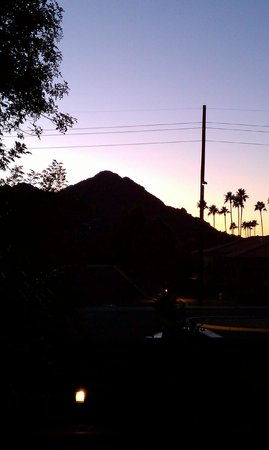 DoubleTree Resort by Hilton Paradise Valley - Scottsdale: Sunset view from the balcony