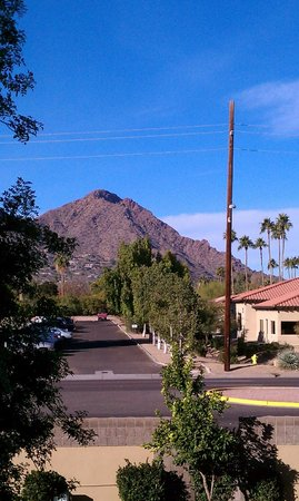 DoubleTree Resort by Hilton Paradise Valley - Scottsdale: Daytime view from balcony