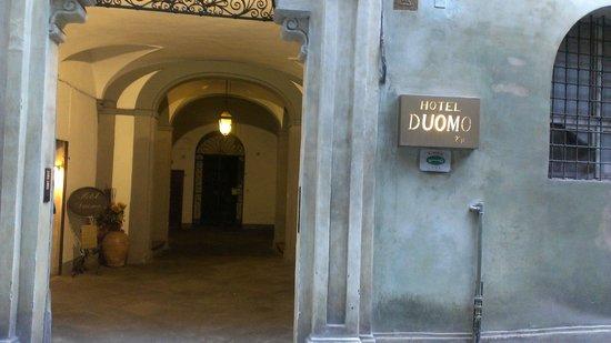 Hotel Duomo: The enterance