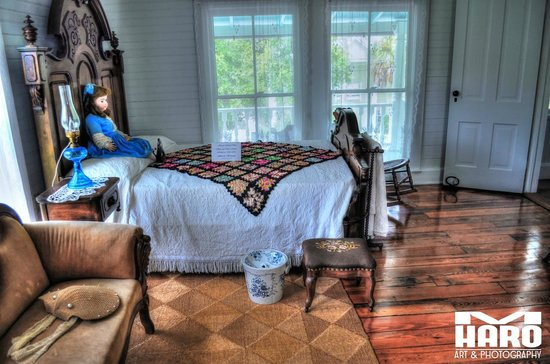 Historic Rossetter House  Museum and Gardens: One of the bedrooms upstairs of the main house.