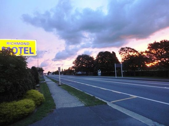 Richmond Motel & Top 10 Holiday Park: the sunsets are amazing