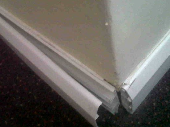 Premier Inn South Mimms/Potters Bar Hotel: Skirting broken and bodged
