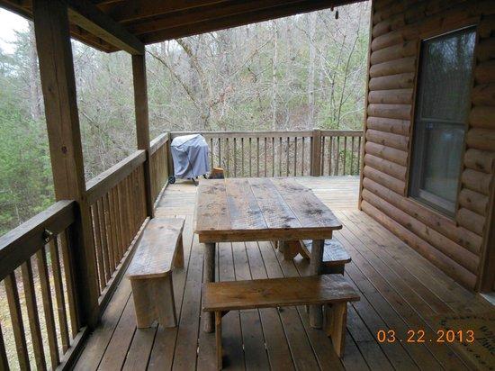 Mountain Top Cabin Rentals: Porch