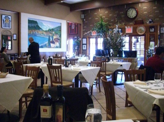 Trattoria L'incontro: The dining room