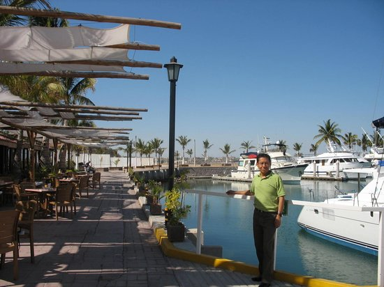 هوتل مارينا: Vista restaurante H.Marina OSR