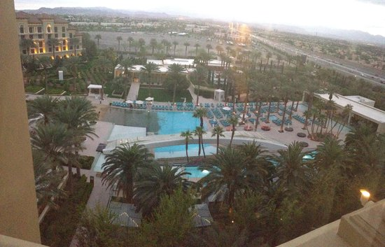 Green Valley Ranch Resort and Spa: Pool view