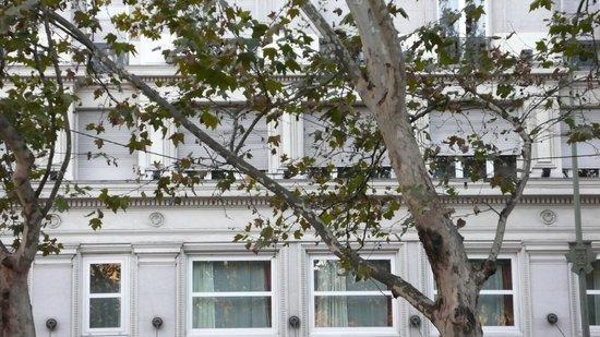 NH Madrid Nacional: Hotel & Alrededores