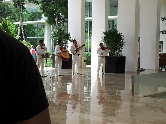 Luxury Bahia Principe Sian Ka'an Don Pablo Collection: mariachi