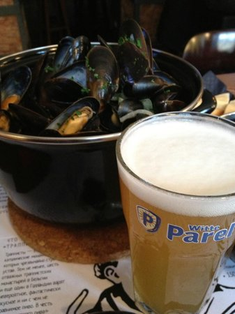 Trappist : Witte Parel paired with Mussels