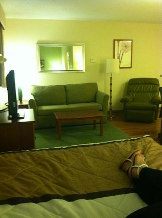 Extended Stay America - Miami - Airport - Doral - 25th Street: view of living room from the bed