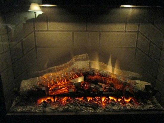 BEST WESTERN PLUS Bayshore Inn: Cozy Evening