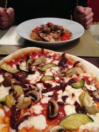 Strada - Lakeside: Chicken / Pizza