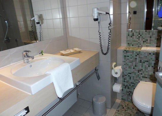 Atlantic Hotel Universum: modernes Bad