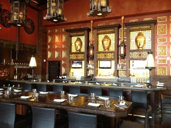 RockSugar Pan Asian Kitchen: the bar area