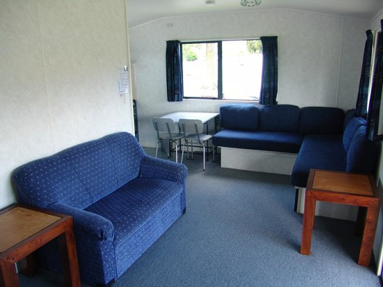 Mercury Bay Holiday Park: Chalet - Queen + Double/Single Bunk