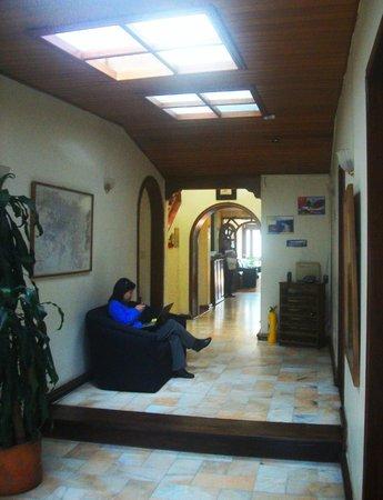 Casa Hotel Zuetana: Pasillo