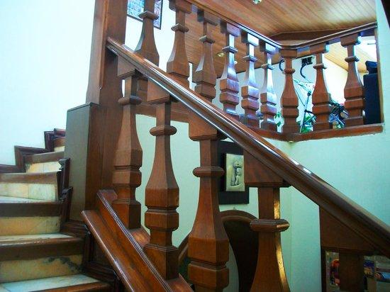 Casa Hotel Zuetana: Escalera