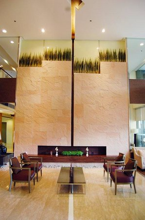 BEST WESTERN PLUS Antel Hotel: Antel Spa Tower Lobby Lounge