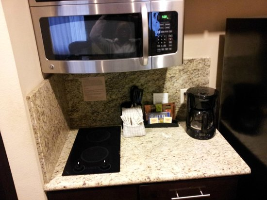 StayBridge Suites DFW Airport North: Microwave and coffe maker included