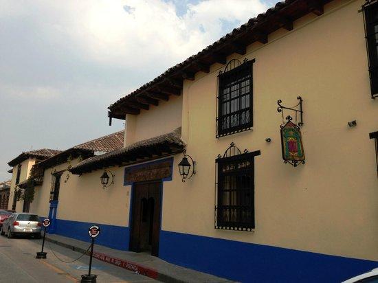Hotel Casavieja: Fachada principal