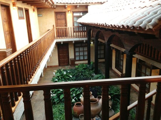 Hotel Casavieja: Patio interior