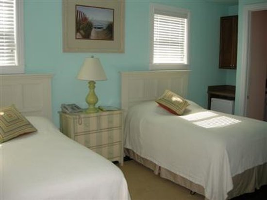 Long Island Breeze Resort: Other Hotel Services/Amenities