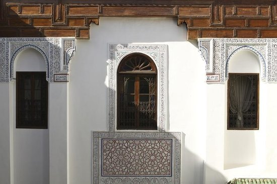 Riad Laaroussa Hotel and Spa : Handcrafted exterior