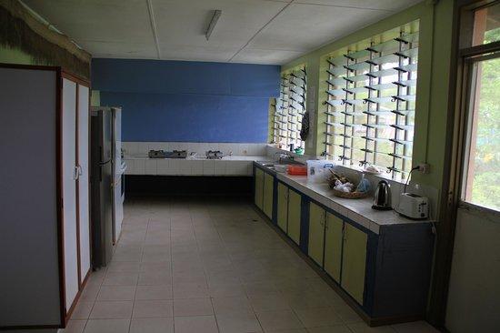 Unity Park Motel: Common kitchen