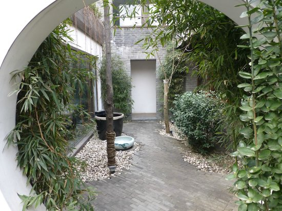 The Orchid Hotel: Courtyard