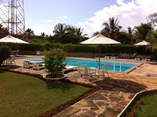Galu Inn: Vue piscine