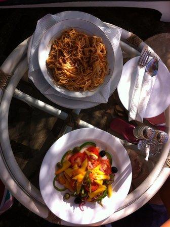 Galu Inn: Repas midi