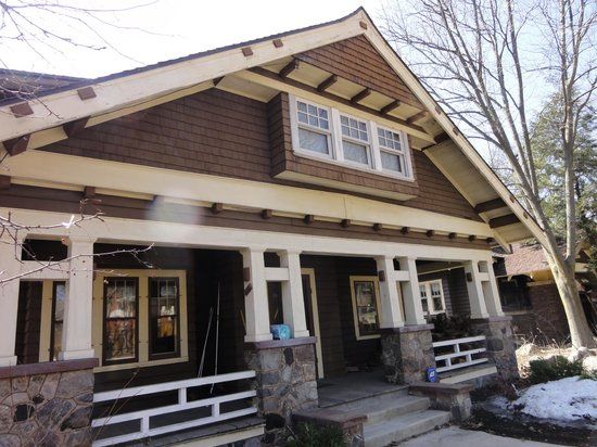 Vilas Park: Learned a lot about the varied styles of houses in the Vilas area on our walking food tour
