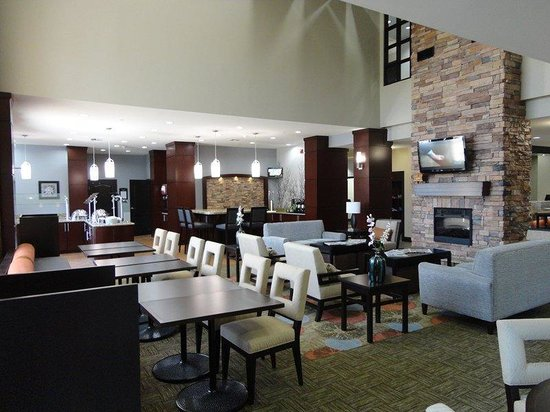 Staybridge Suites Amarillo-Western Crossing : Guest Dining Lounge