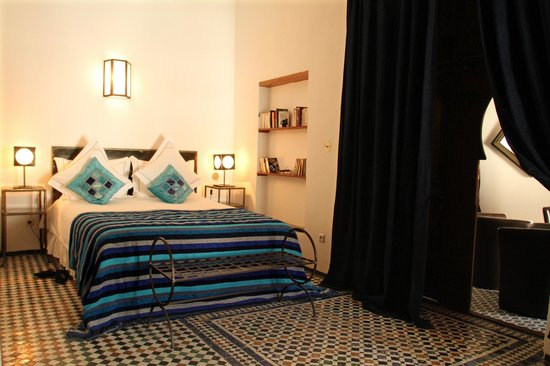 Riad Laaroussa Hotel and Spa: Blue Room