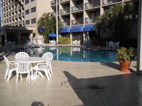 Hampton Inn Cocoa Beach/Cape Canaveral: Swimming Pool