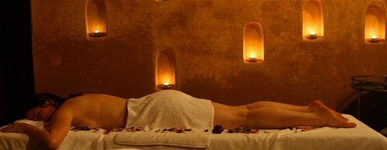Riad Laaroussa Hotel and Spa: Massage room