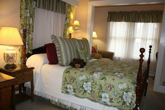 Red Rocker Inn: The light-hearted Molly Bear room