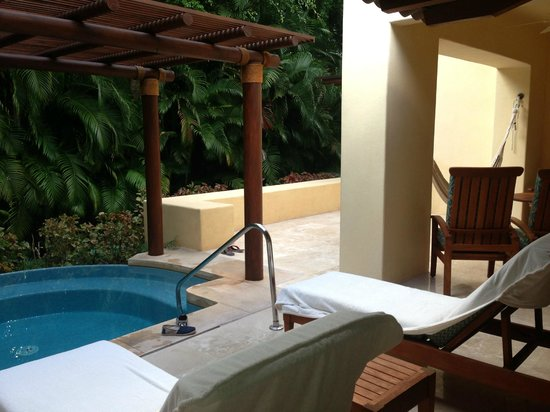 Four Seasons Resort Punta Mita: room w plunge pool