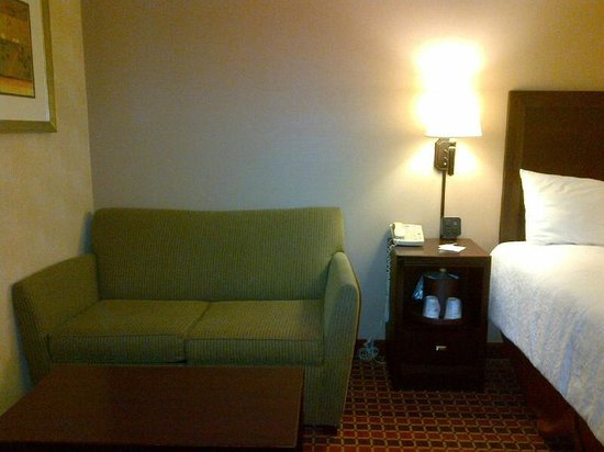 Hampton Inn Boston / Cambridge: Sitting area