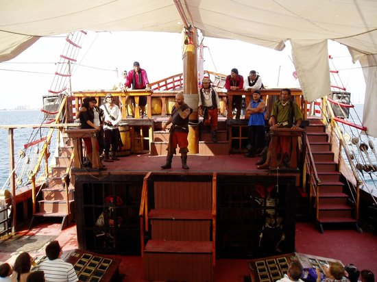 Puerto Vallarta Pirate Tours: On with the show