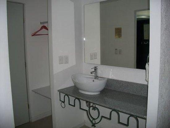 Hotel Zar Colima: Bathroom