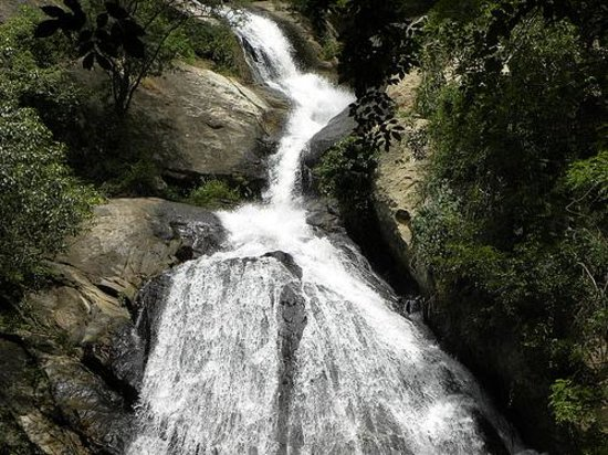 how to go humhum waterfall