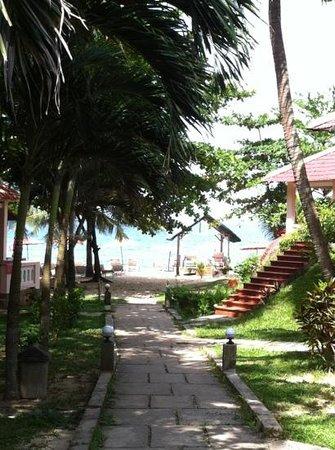 Hiep Thanh Hotel: Strand und Anlage